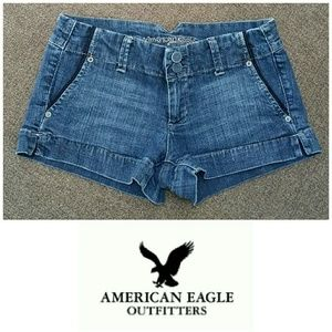 American Eagle shorty denim shorts. Size 4